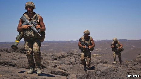 French soldiers on patrol in the Terz valley, about 60km (37 miles) south of the town of Tessalit in northern Mali, on 20 March 2013
