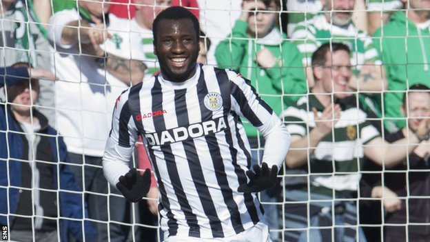 St Mirren striker Esmael Goncalves