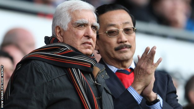 Sam Hammam with Vincent Tan