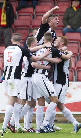 Andy Geggan celebrates for Dunfermline