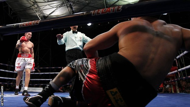 Martin Murray (right) in action against Sergio Martinez