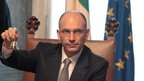 Italy&quot;s new Prime Minister Enrico Letta rings the bell to open his first cabinet meeting on April 28, 2013 in Rome, Italy.