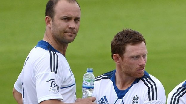 The Bears' England pair Jonathan Trott and Ian Bell
