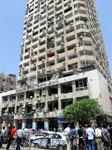 Damaged commercial building in the Marjeh district (30 April 2013)