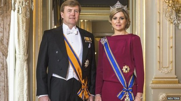Official portrait of King Willem-Alexander and Queen Maxima of the Netherlands