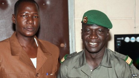 Boukary Daou (l) and Capt Amadou Sanogo (r) - April 2012