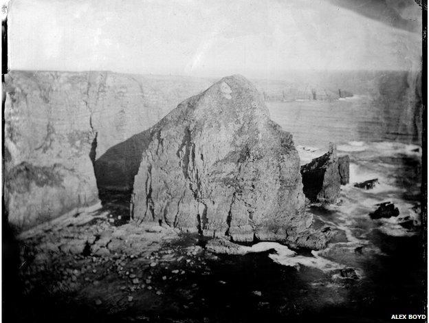 Caisleán Mhic Roibín, Dun Briste, 2012, wet-plate collodion (Digital print)