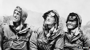 Edmund Hilary's team preparing for Everest ascent