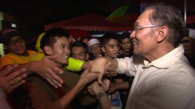 Anwar Ibrahim meets votes.