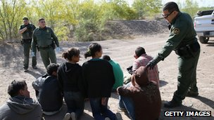 US border agents detain undocumented immigrants near the US-Mexico border. Photo: April 2013