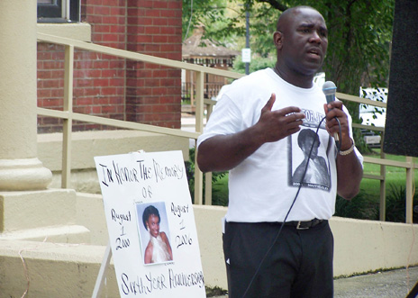 National Action Network civil rights investigator Alton McDonald at the 2006 vigil in Mayfield