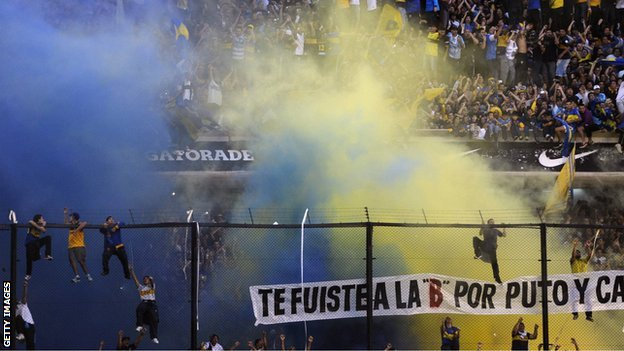 "Crowd violence during the second half of the Boca-River ""superclasico"""