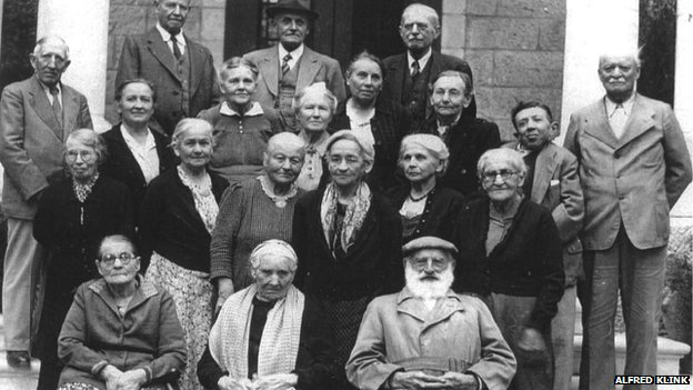 Group of the last Templers in Jerusalem, April 1948