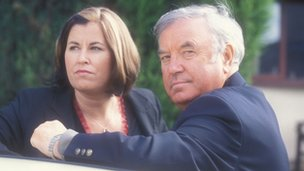 Jimmy Tarbuck with daughter Liza in a 2001 edition of Linda Green