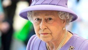 Y Frenhines Elizabeth II