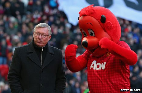 Sir Alex Ferguson and the Man Utd mascot