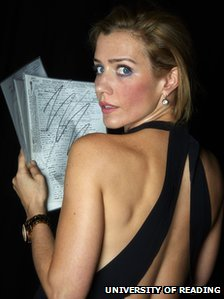 Lisa Dwan with original 'Not I' manuscript