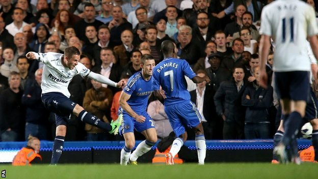 Gylfi Sigurdsson (left) scores for Spurs