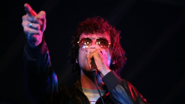 Reverend and The Makers play at Leeds in 2007