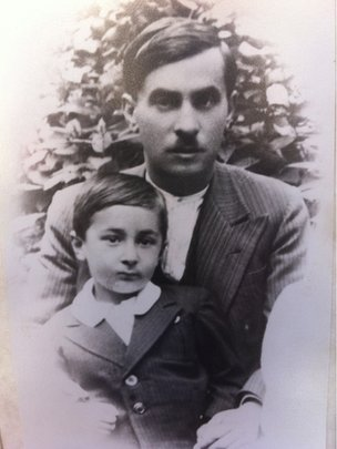 Giorgos Dimopoulos as a child with his father Dimitrios who was a victim of the Kalavryta massacre
