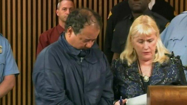 Ariel Castro (left) in court
