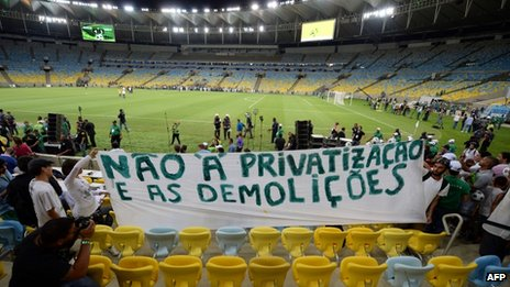 27 April 13 Maracana demonstrators