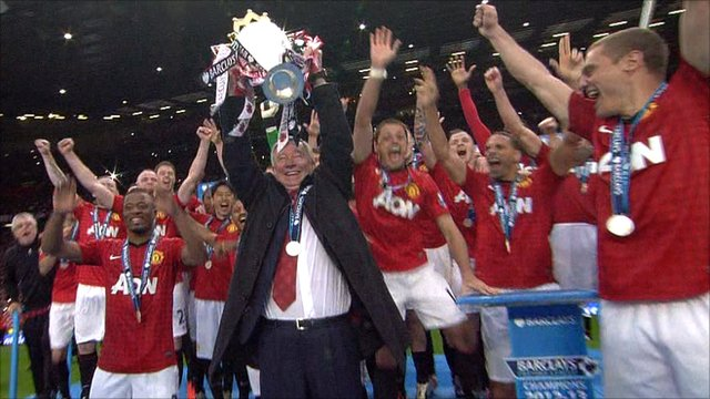 Man UTD wins The Premier League trophy