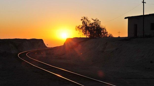 Sunset over the Arica-La Paz railway line (file photo)
