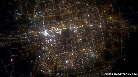 Cmdr Hadfield's tweeted photo on 27 April 2013