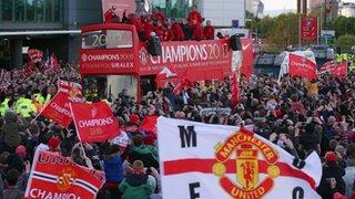 Man Utd parade