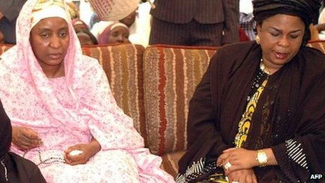 Turai Yar'Adua (L) and Patience Jonathan in June 2010