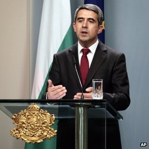 Bulgarian President Rosen Plevneliev addresses reporters in Sofia, 15 May