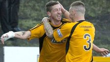Calum Elliot celebrates for Alloa