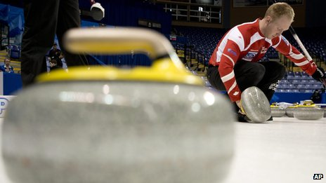 Curler checking stone