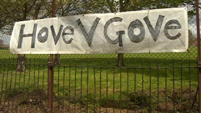 Hove v Gove sign