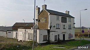 Old Red House pub, Hannington