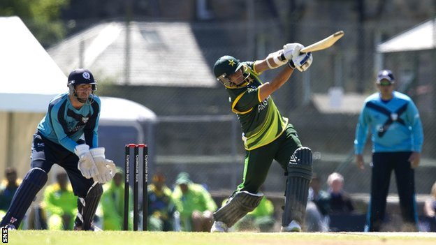 BBC Sport - Scotland offer poor response in bid to catch Pakistan624