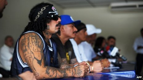 El Salvador gangs warn over truce...