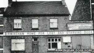 Birmingham Dogs Home in New Street Canal