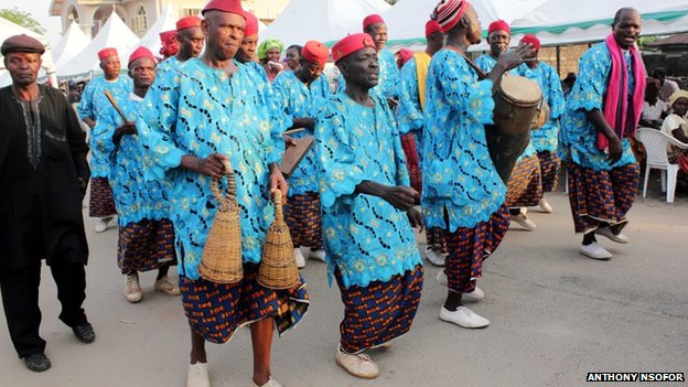 igbo funeral rites Chapter ix ceremonies at birth  at the same time he invokes the soul of the deceased to leave the house as soon as the funeral rites have been.