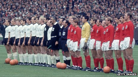 Germany and England line up at Wembley ahead of the 1966 World Cup final