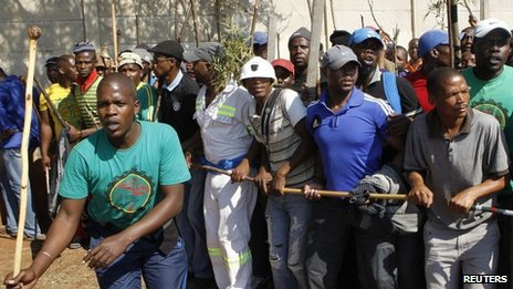 Rubber bullets fired at SA miners...