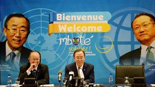 World Bank President Jim Yong Kim (left) and UN Secretary General Ban Ki-moon in Kinshasa. 22 May 2013