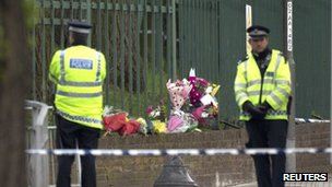 Flowers at Woolwich attack scene
