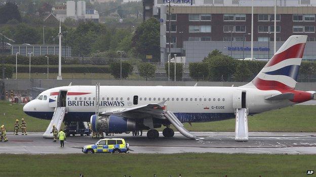 Plane makes Heathrow emergency landing