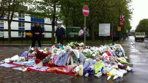 Tributes at Woolwich Barracks