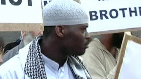 Michael Adebolajo at a demonstration at Paddington Green in 2007