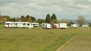 Travellers' caravans on Horsham Fields