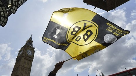 Dortmund fans in London