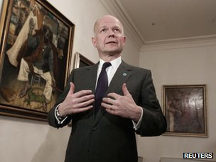 William Hague talks to reporters after a Friends of Syria meeting in Istanbul (20 April 2013)